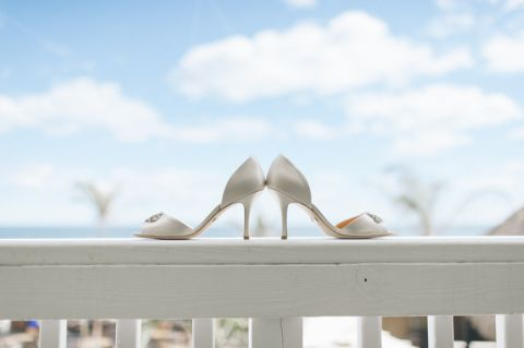 Wedding details at the Sea Shell Resort in Long Beach Island, NJ. Captured by NJ wedding photographer Ben Lau.