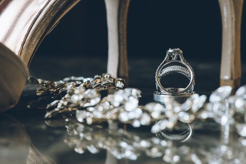 Wedding rings shot at NYIT de Seversky Mansion in Old Westbury, NY. Captured by Long Island wedding photographer Ben Lau.