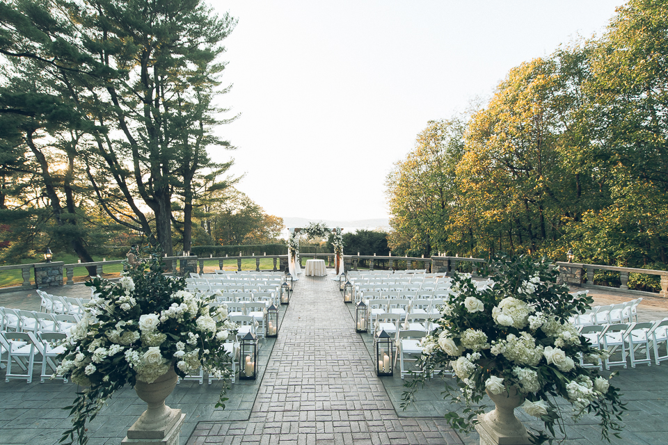 Tappan Hill Mansion Wedding captured by fun, candid, photo documentary Tarrytown wedding photographer Ben Lau.